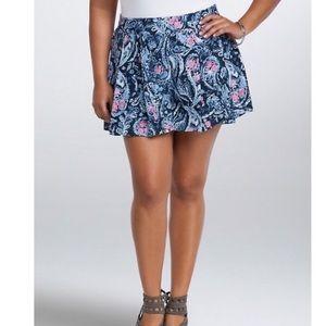 Torrid Paisley Print Pleated Shorts Size 1 (1X)